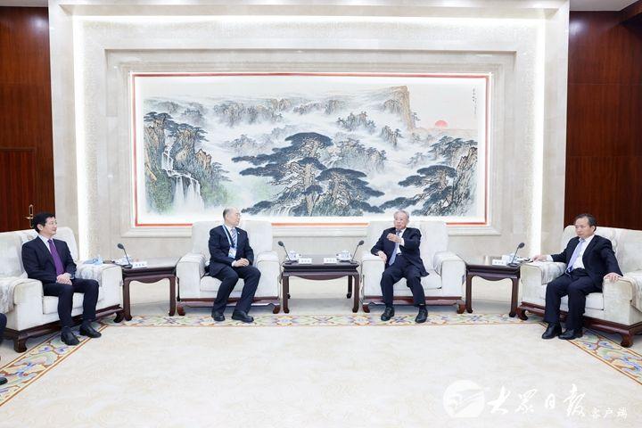 刘家义李干杰会见出席中国企业论坛嘉宾